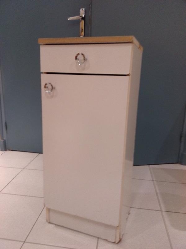 recyclage objet r cupe objet donne meuble salle de bain r cup rer carpentras 84. Black Bedroom Furniture Sets. Home Design Ideas