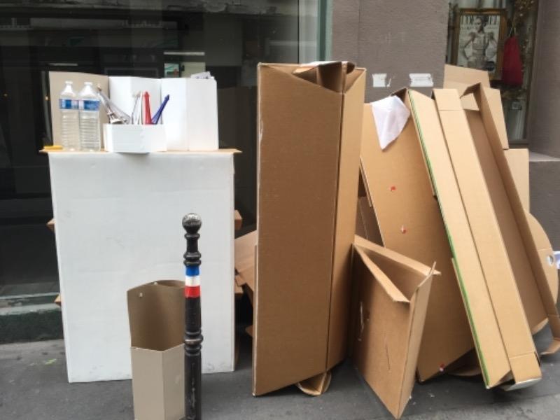 Recyclage, Récupe & Don d'objet : mobilier en carton