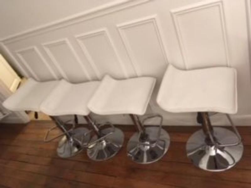 Recyclage, Récupe & Don d'objet : 5 tabourets de bar blancs