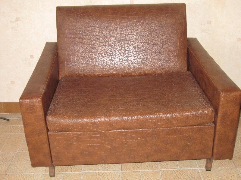 Recyclage, Récupe & Don d'objet : un canapé-couchage une personne