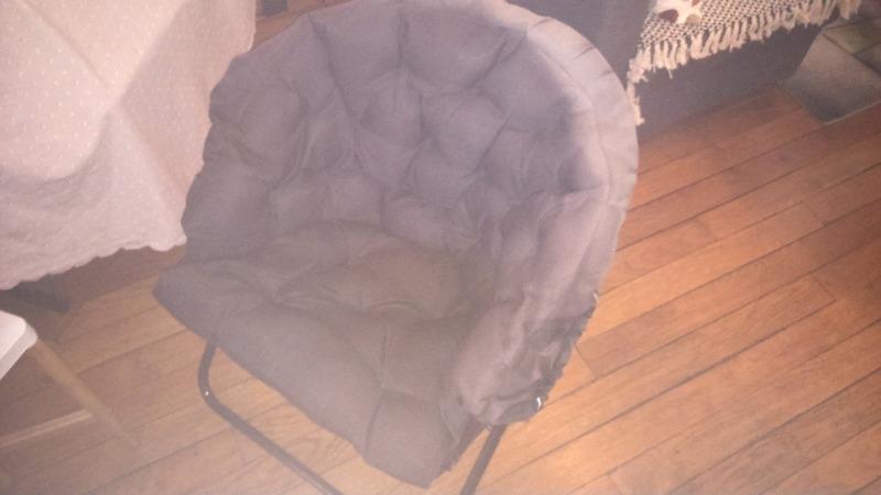 Recyclage, Récupe & Don d'objet : chaise boule noire.