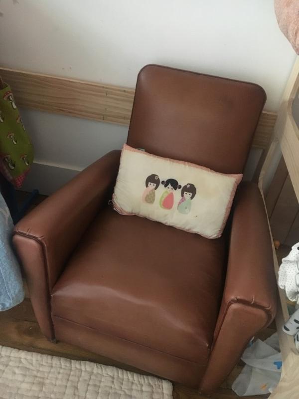 Recyclage, Récupe & Don d'objet : fauteuil en similicuir