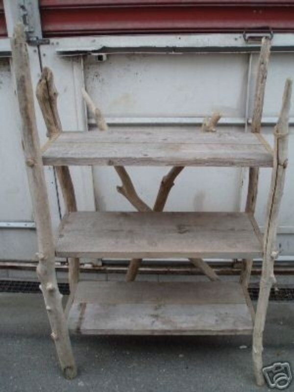 Recyclage, Récupe & Don d'objet : grande étagère en bois flotté