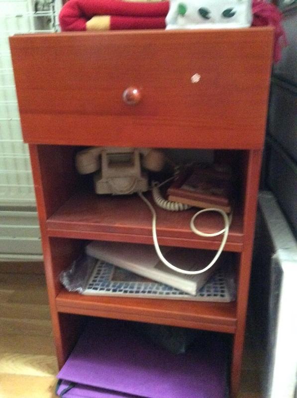 Recyclage, Récupe & Don d'objet : bureau avec deux tiroirs