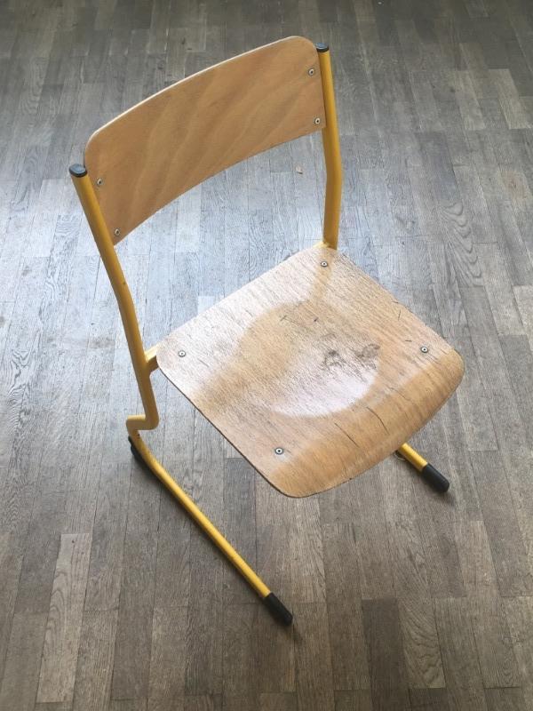 Recyclage, Récupe & Don d'objet : chaise d'école