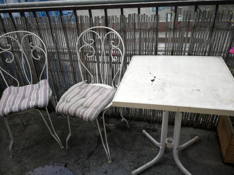 Recyclage, Récupe & Don d'objet : table et chaises d'exterieur