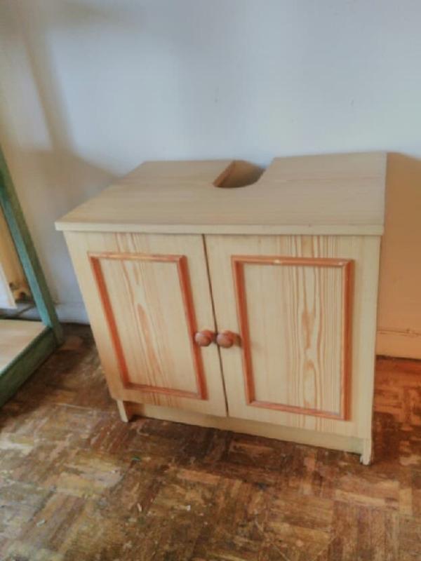 Recyclage, Récupe & Don d'objet : meuble de salle de bain sous lavabo