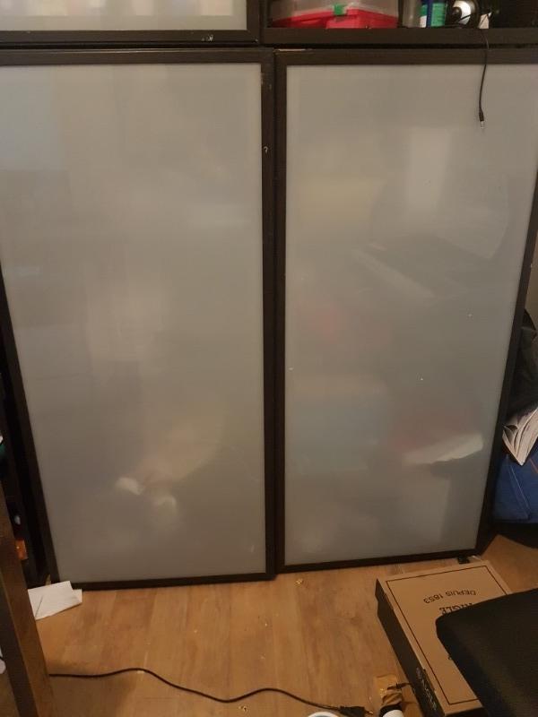 Recyclage, Récupe & Don d'objet : meuble ikea model besta avec et sans portes