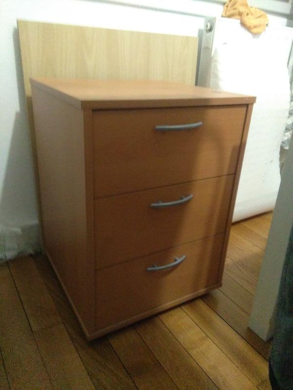 Recyclage, Récupe & Don d'objet : caisson à tiroirs sur roulettes