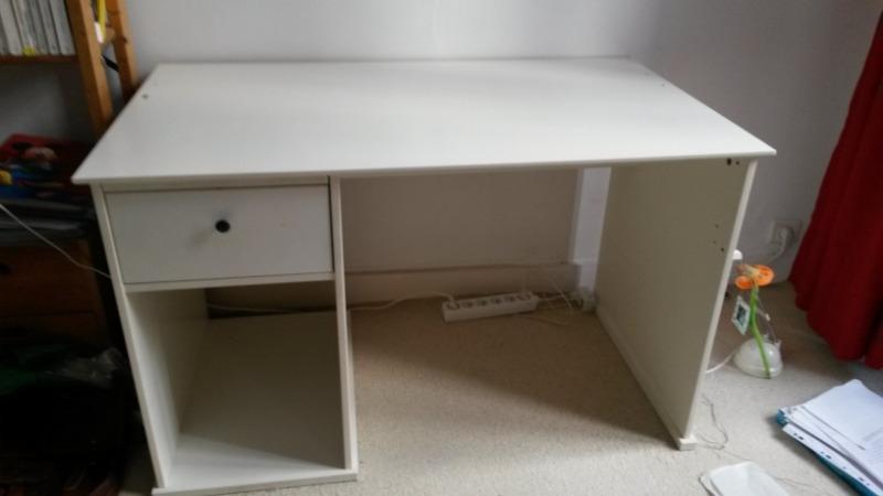 Recyclage, Récupe & Don d'objet : bureau enfant / jeune blanc