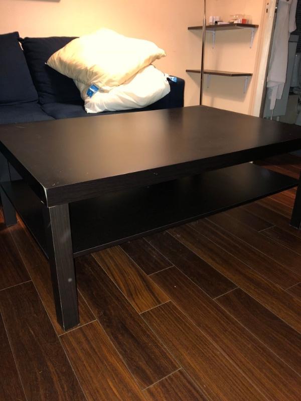 Recyclage, Récupe & Don d'objet : table noir en bois