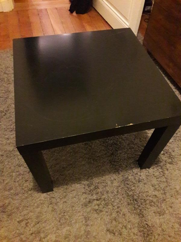 recyclage objet r cupe objet donne petite table carr e noire ikea r cup rer paris 6eme. Black Bedroom Furniture Sets. Home Design Ideas