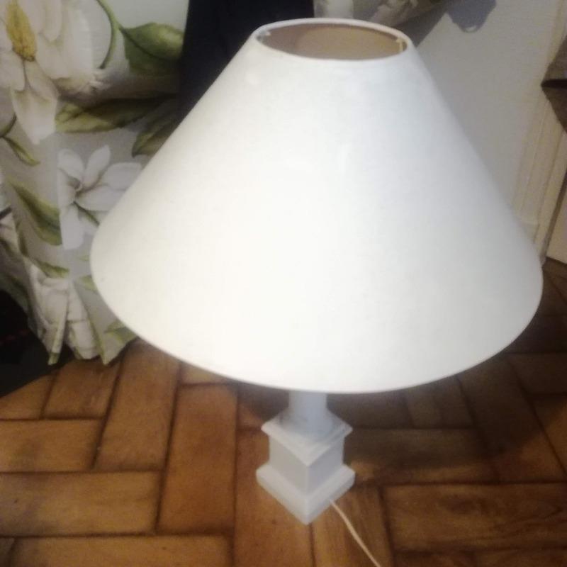 Recyclage, Récupe & Don d'objet : lampe avec abat-jour