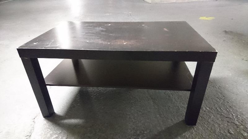 Recyclage, Récupe & Don d'objet : table basse noire ikéa