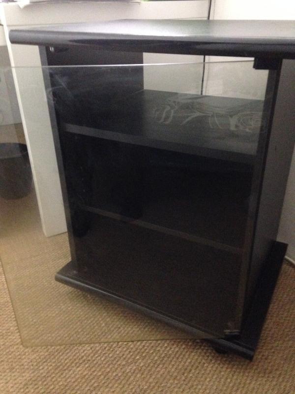 recyclage objet r cupe objet donne meuble vitrine noir r cup rer paris 10eme. Black Bedroom Furniture Sets. Home Design Ideas