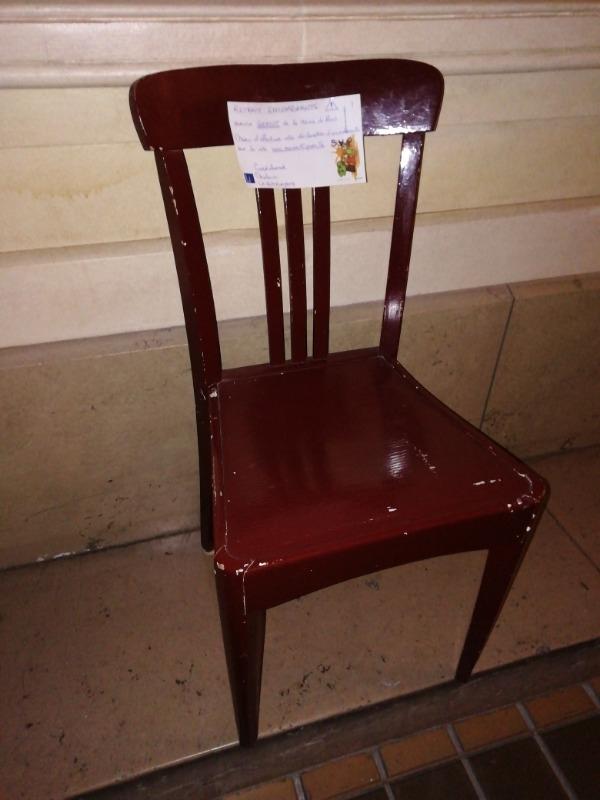 Recyclage, Récupe & Don d'objet : chaise bois