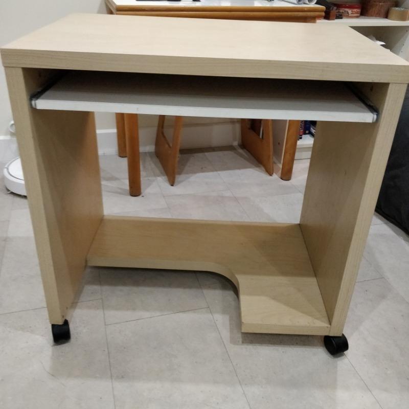recyclage objet r cupe objet donne petit bureau sur. Black Bedroom Furniture Sets. Home Design Ideas