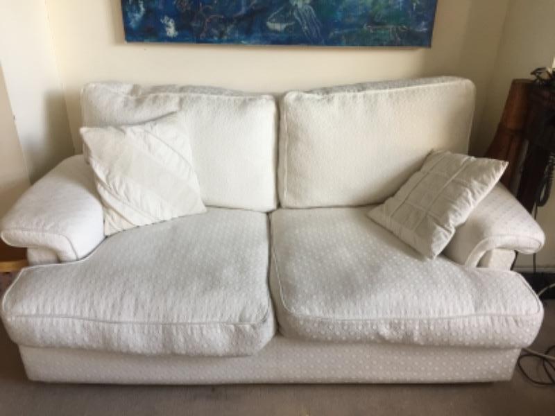 Recyclage, Récupe & Don d'objet : canapés 2 et 3 places tissu blanc