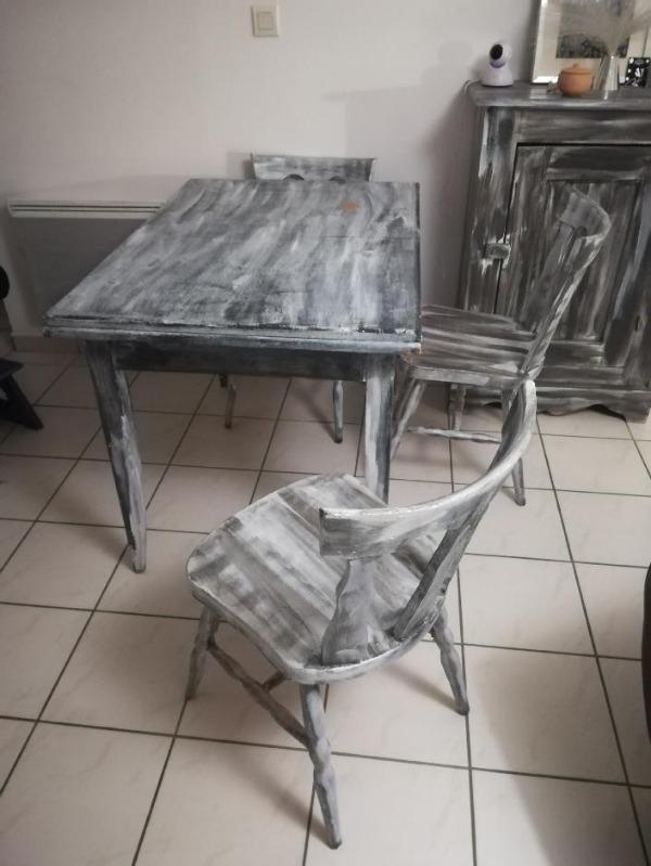 Recyclage, Récupe & Don d'objet : table à rallonge + 3 chaises