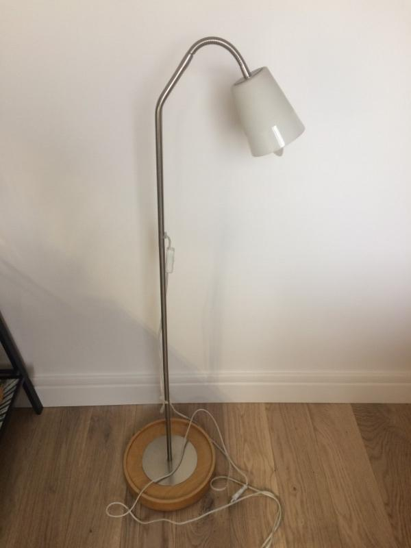 Recyclage, Récupe & Don d'objet : lampe à pied