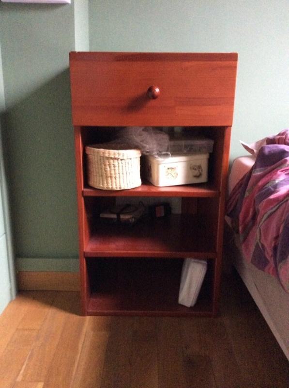 Recyclage, Récupe & Don d'objet : petit meuble avec tiroir