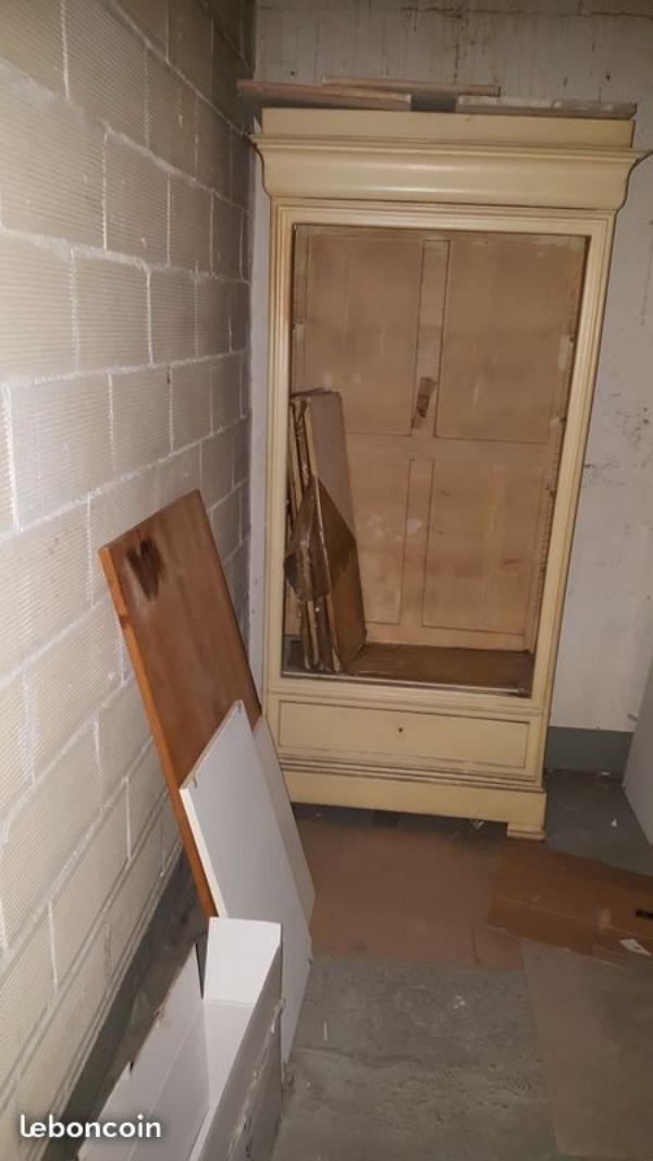 Recyclage, Récupe & Don d'objet : armoire ancienne à restaurer