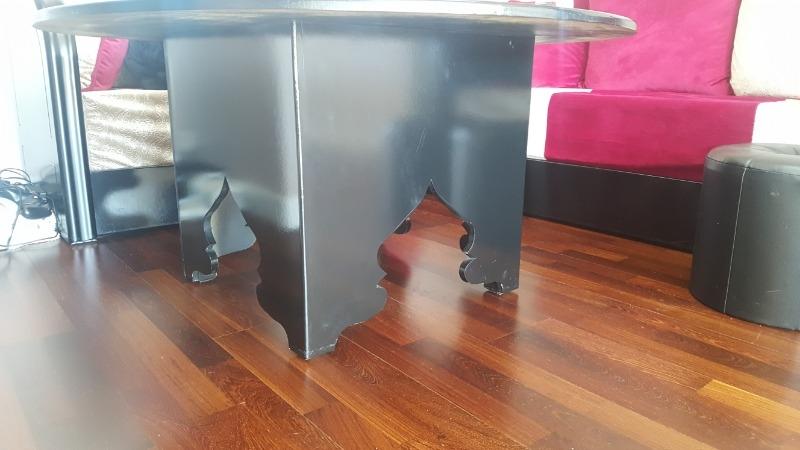 Recyclage, Récupe & Don d'objet : table ronde noire de salon marocain