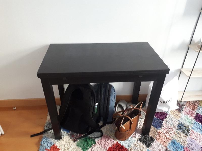 Recyclage, Récupe & Don d'objet : petite table à rallonges 2-4 couverts noire