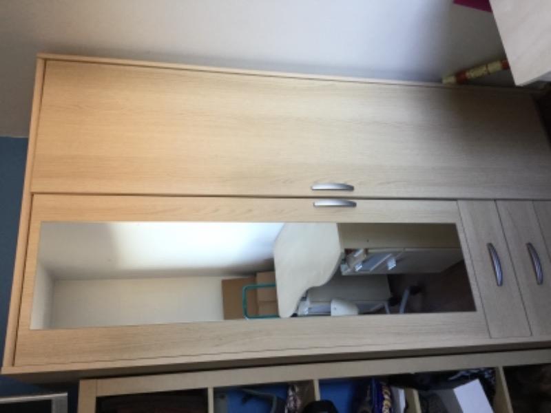 Recyclage, Récupe & Don d'objet : armoire _bureau enfant + chaise _velo d.appartement_meuble télé
