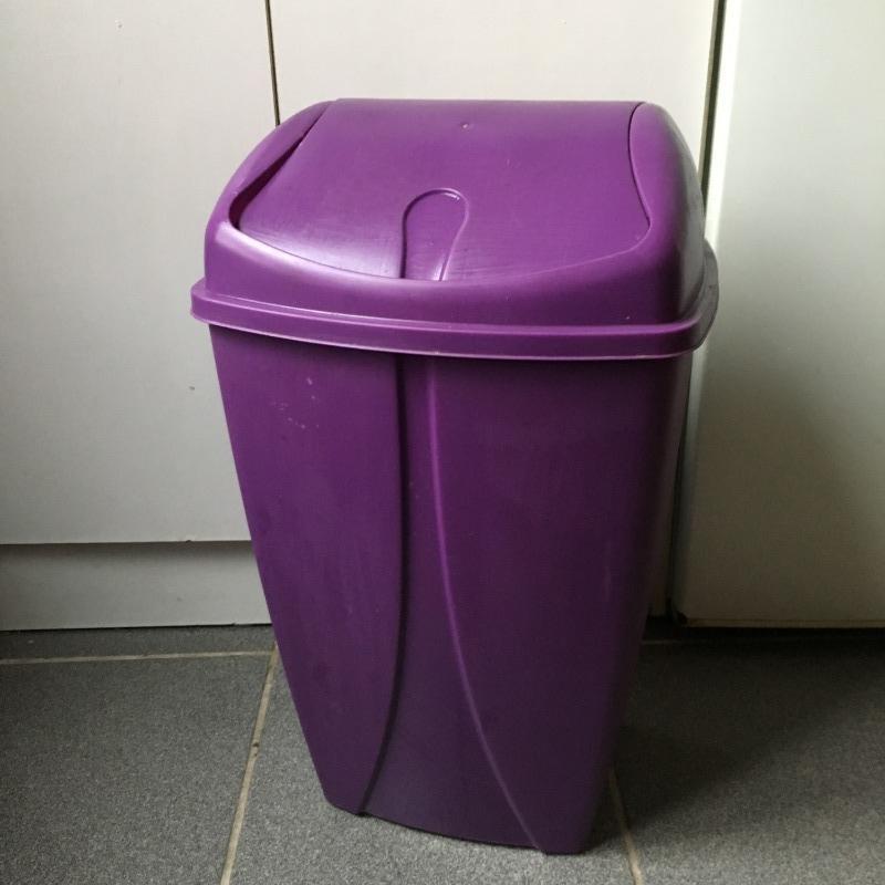 Recyclage, Récupe & Don d'objet : poubelle 30l en plastique