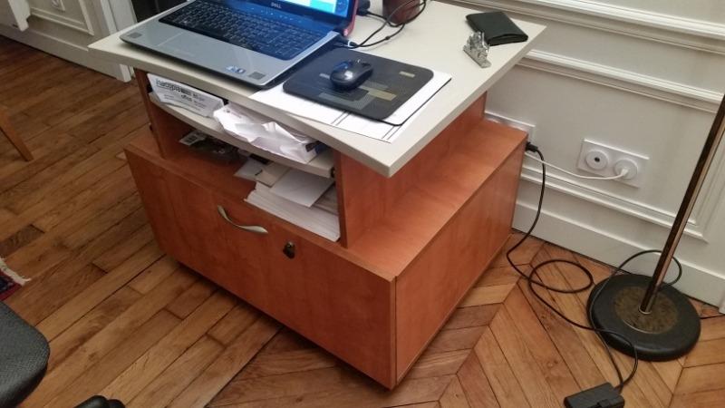 Recyclage, Récupe & Don d'objet : petit meuble informatique