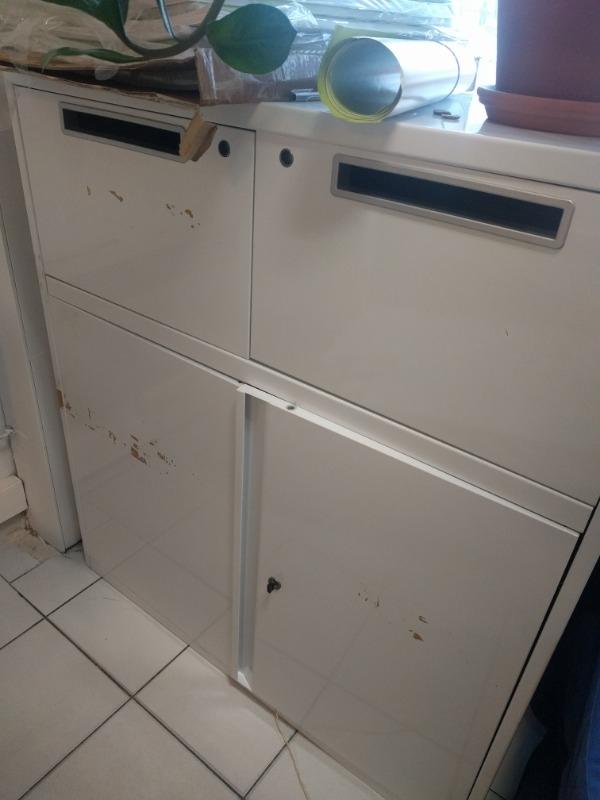 Recyclage, Récupe & Don d'objet : petite armoire métallique