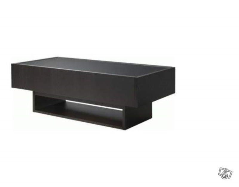 Recyclage, Récupe & Don d'objet : table basse et bureau ordinateur ikea
