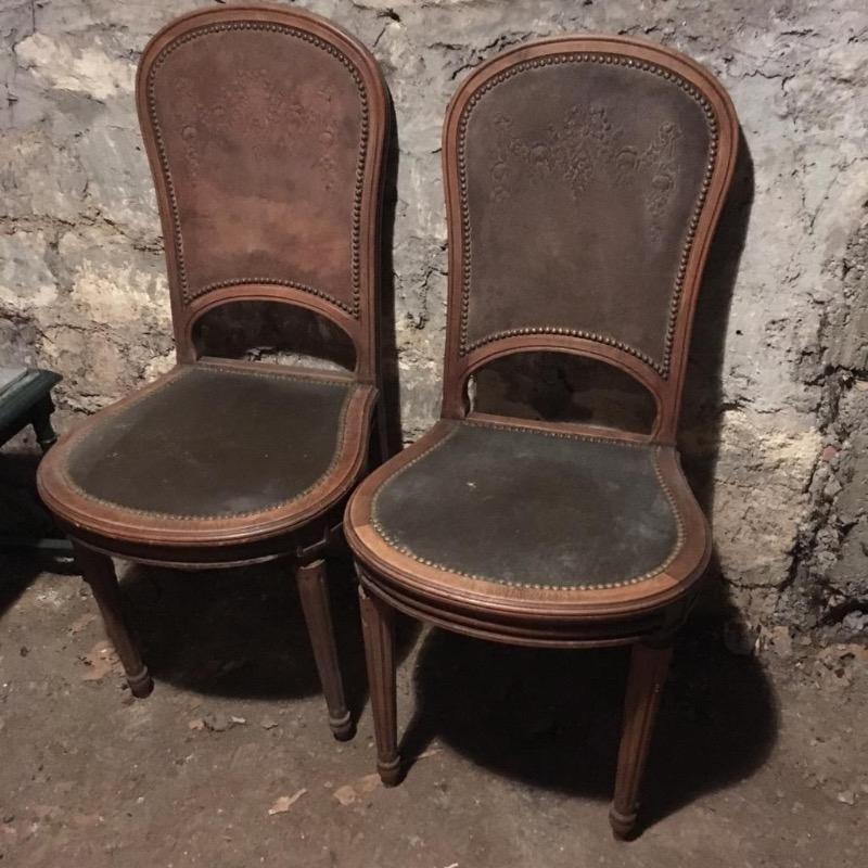 Recyclage, Récupe & Don d'objet : chaises en simili cuir