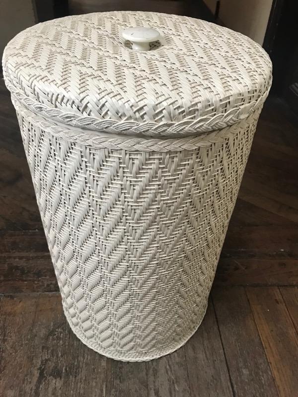 Recyclage, Récupe & Don d'objet : panier à linge blanc motif à chevrons bon ...