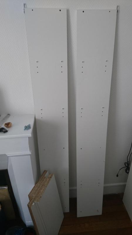 Recyclage, Récupe & Don d'objet : étagère blanche démontée