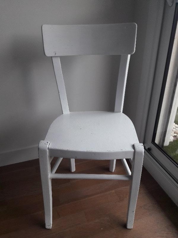 Recyclage, Récupe & Don d'objet : chaise en bois blanche