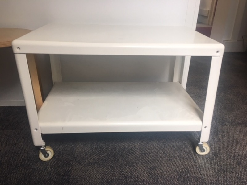 Recyclage, Récupe & Don d'objet : 2 tables basses rectangulaires blanches