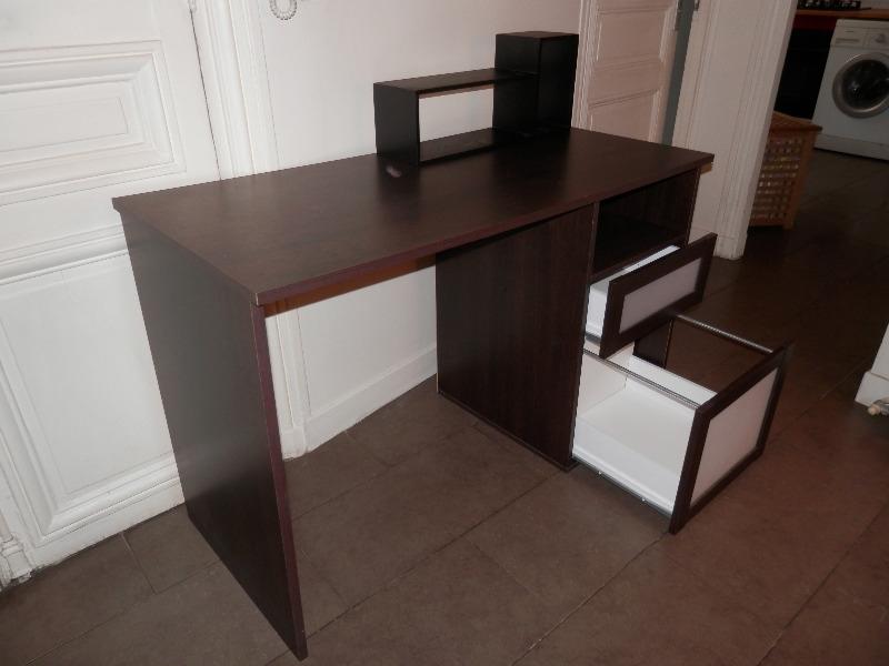 Recyclage, Récupe & Don d'objet : bureau à 2 tiroirs