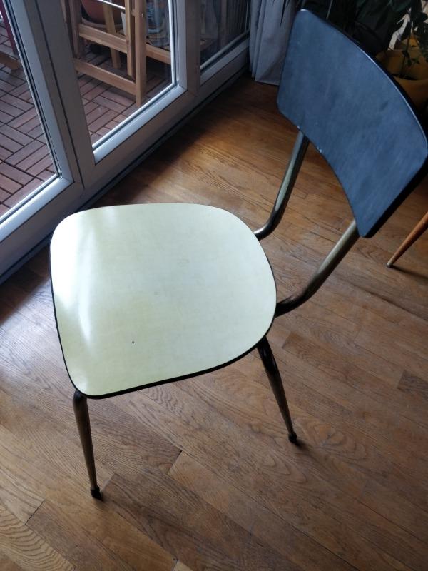 Recyclage, Récupe & Don d'objet : chaise formica jaune