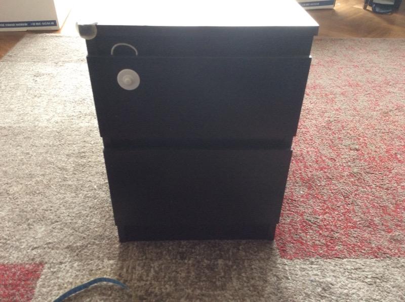 Recyclage, Récupe & Don d'objet : petit meuble noir