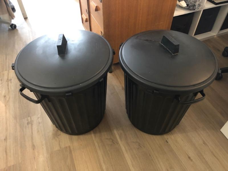 Recyclage, Récupe & Don d'objet : 2 poubelles de rue 80 l