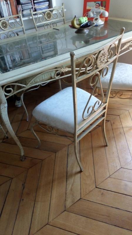 Recyclage, Récupe & Don d'objet : belle table en fer forgé et ses 4 chaises