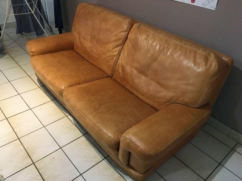 Recyclage, Récupe & Don d'objet : canapé en cuir fauve vintage 2 places.