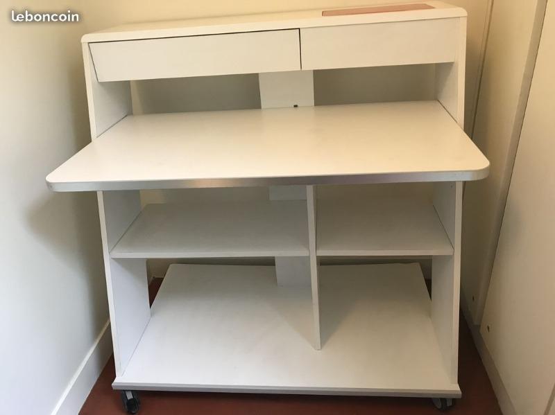Recyclage, Récupe & Don d'objet : bureau blanc avec espace imprimante