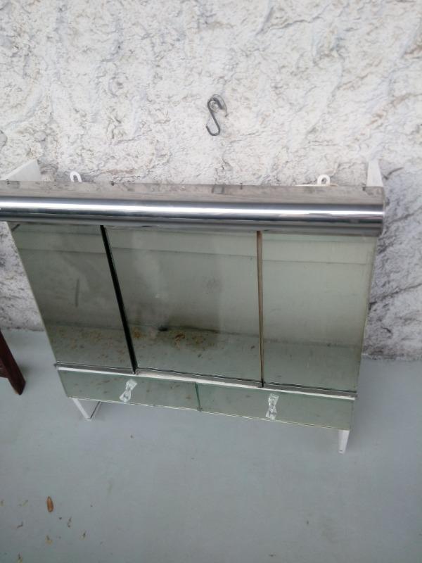Recyclage, Récupe & Don d'objet : meuble dessus de lavabo avec miroir