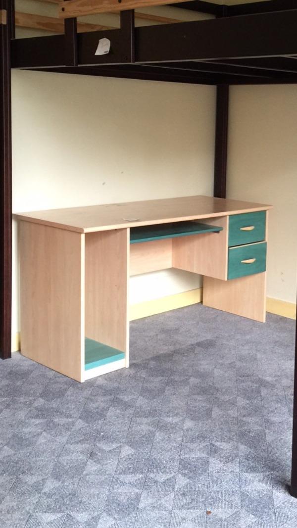 Recyclage, Récupe & Don d'objet : bureau démonté (en planches)