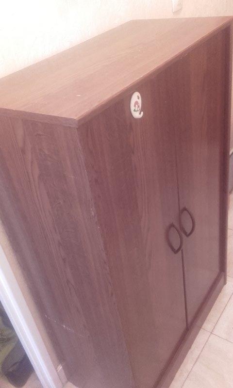 Recyclage, Récupe & Don d'objet : meuble de rangement avec 2 étagères