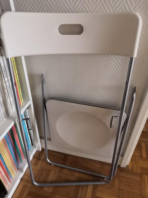 Recyclage, Récupe & Don d'objet : chaise plastique