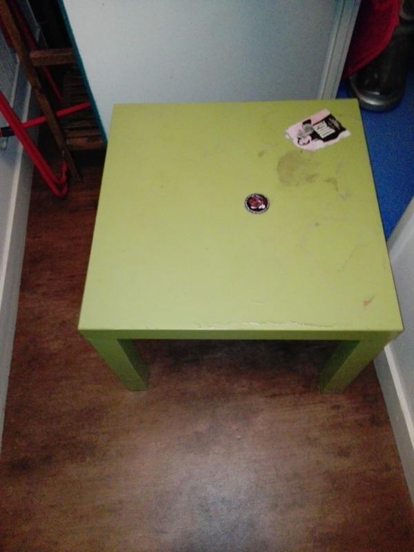 Recyclage, Récupe & Don d'objet : table basse verte ikea